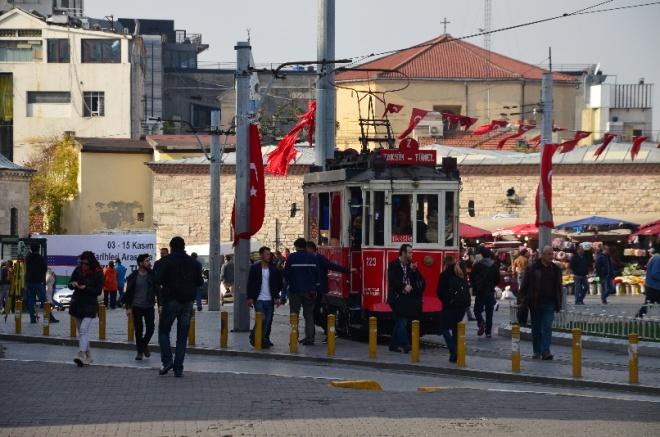 Tramvaj na náměstí Taksim